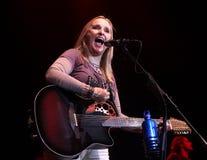 Melissa Etheridge perfoms στη συναυλία στοκ φωτογραφία με δικαίωμα ελεύθερης χρήσης