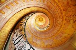 Melk, Austria - 7 de junio de 2014: Escaleras rococóes espirales en la abadía de Melk a San Pedro y a Paul Church en Melk Fotografía de archivo