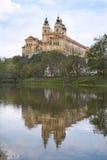 Melk - barockes Kloster über Donau Stockbilder