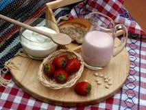 Melk en aardbei Royalty-vrije Stock Afbeelding