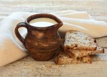 Melk en brood Royalty-vrije Stock Fotografie