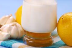 Melk met honing Stock Foto
