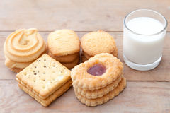 Melk met koekje Stock Fotografie