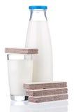 Melk met vers wafeltje Royalty-vrije Stock Afbeeldingen