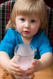 Melkachtige drank stock afbeelding