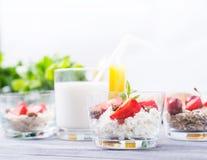 Melkdessert met Aardbeien Royalty-vrije Stock Fotografie