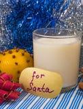 Melken Sie für Sankt auf Weihnachtsabend Lizenzfreie Stockfotografie