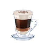 Melkkoffie met schuim op wit wordt geïsoleerd dat Royalty-vrije Stock Afbeeldingen