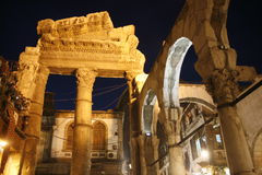 MELLANÖSTEN SYRIEN DAMASKUS FÖRDÄRVAR DEN GAMLA STADEN Arkivbild