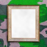 Mellanrum av fotoramen på kamouflagemodell Royaltyfri Bild