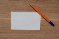 Mellanrum och penna Royaltyfria Bilder