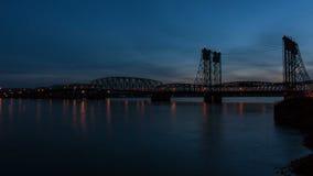Mellanstatlig bro mellan Portland ELLER och Vancouver WA arkivfilmer