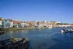 Mellersta hamn, Whitby, North Yorkshire Royaltyfria Bilder