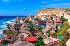 Mellieha, Мальта: Деревня Popeye, архитектурноакустическая деталь стоковое фото rf