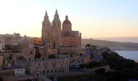 Mellieha, Malta, bij zonsondergang Stock Foto