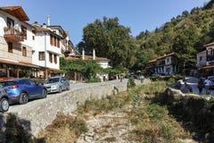 MELNIK BUŁGARIA, WRZESIEŃ, - 7, 2017: Starzy domy xix wiek w miasteczku Melnik, Bułgaria Zdjęcia Stock