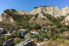 MELNIK, BULGARIE - 7 SEPTEMBRE 2017 : Vieilles maisons du 19ème siècle dans la ville de Melnik, Bulgarie Photos libres de droits