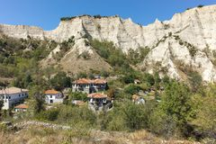 MELNIK, BULGARIE - 7 SEPTEMBRE 2017 : Vieilles maisons du 19ème siècle dans la ville de Melnik, Bulgarie Photographie stock