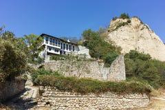 MELNIK, BULGARIE - 7 SEPTEMBRE 2017 : Vieilles maisons du 19ème siècle dans la ville de Melnik, Bulgarie Photo stock