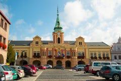 MELNIK, TSCHECHISCHE REPUBLIK - 02 09 2017: Panorama des alten Quadrats in Melnik, Stadt in Böhmen-Region Stockfotos