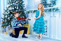 Melodie di Natale del violino Fotografia Stock Libera da Diritti
