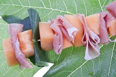 Meloen en Prosciutto Stock Afbeeldingen