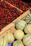 Meloenen en kersen Royalty-vrije Stock Afbeelding