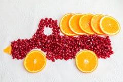 Melograno ed arancia come forma del camion Fotografia Stock Libera da Diritti