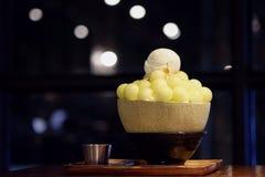 Melon Bingsu sur la table en bois photo stock