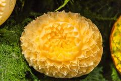 Melon som snider hantverket Royaltyfria Bilder