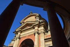 Meloncello曲拱在波隆纳,意大利 库存照片