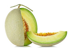 Melone del cantalupo isolato sui precedenti bianchi fotografie stock