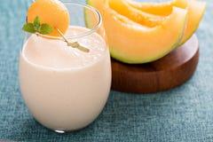 Melone Smoothie auf einer Tabelle Lizenzfreie Stockfotos