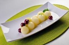 Melone- und Kirschwüste lizenzfreie stockbilder