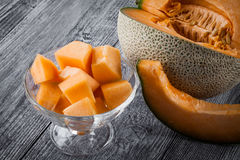 Melones frescos cortados Foto de archivo libre de regalías