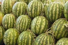 Meloni che sono venduti in un mercato fotografie stock libere da diritti