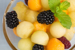 Melonowe piłki z jagodami Zdjęcie Stock