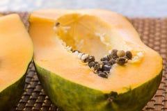 Melonowiec owoc, słodki dojrzały świeży melonowiec, surowy weganinu jedzenie obraz royalty free