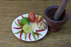 Melonowiec sałatka z starą drewnianą podłoga fotografia stock