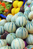 Melons sur un compteur Photo libre de droits