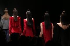 Meltem Ozbek Catwalk in Mercedes-Benz Fashion Week Istanbul Lizenzfreies Stockfoto