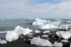 Melting icebergs at the beach. Royalty Free Stock Photos