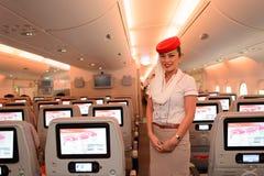 Membre d'équipage d'Airbus A380 d'émirats Image stock