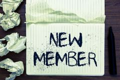 Membre des textes d'écriture de Word nouveau Concept d'affaires pour l'employé recruteur à la naissance de société ou d'équipe de image stock