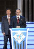 Membre permanent du Conseil de sécurité de la Fédération de Russie Sergey Ivanov et de cosmonaute Sergey Ryazanskiy d'essai au ce images libres de droits