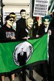 Membres de rassemblement anonyme de prise Photo stock