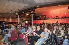 Membres du public à un rassemblement pour Jeremy Corbyn Images libres de droits