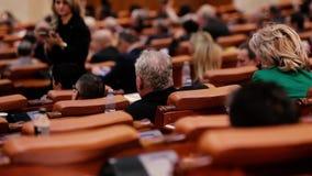 Membri del voto del parlamento rumeno stock footage