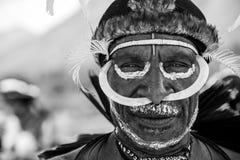 Membro di tribù di Dani al festival annuale della valle di Baliem immagine stock