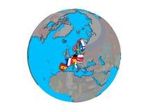 Membros da área de Schengen com as bandeiras no globo isolado ilustração royalty free